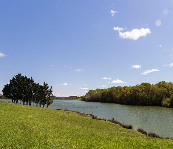 Base de loisirs, baignade au lac de Lupiac dans le Gers (32)